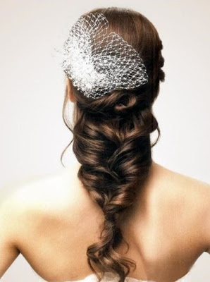The Low Pony Hairstyle for Wedding