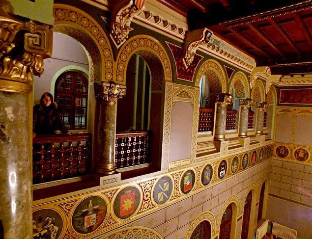 salon castelul cantacuzino busteni