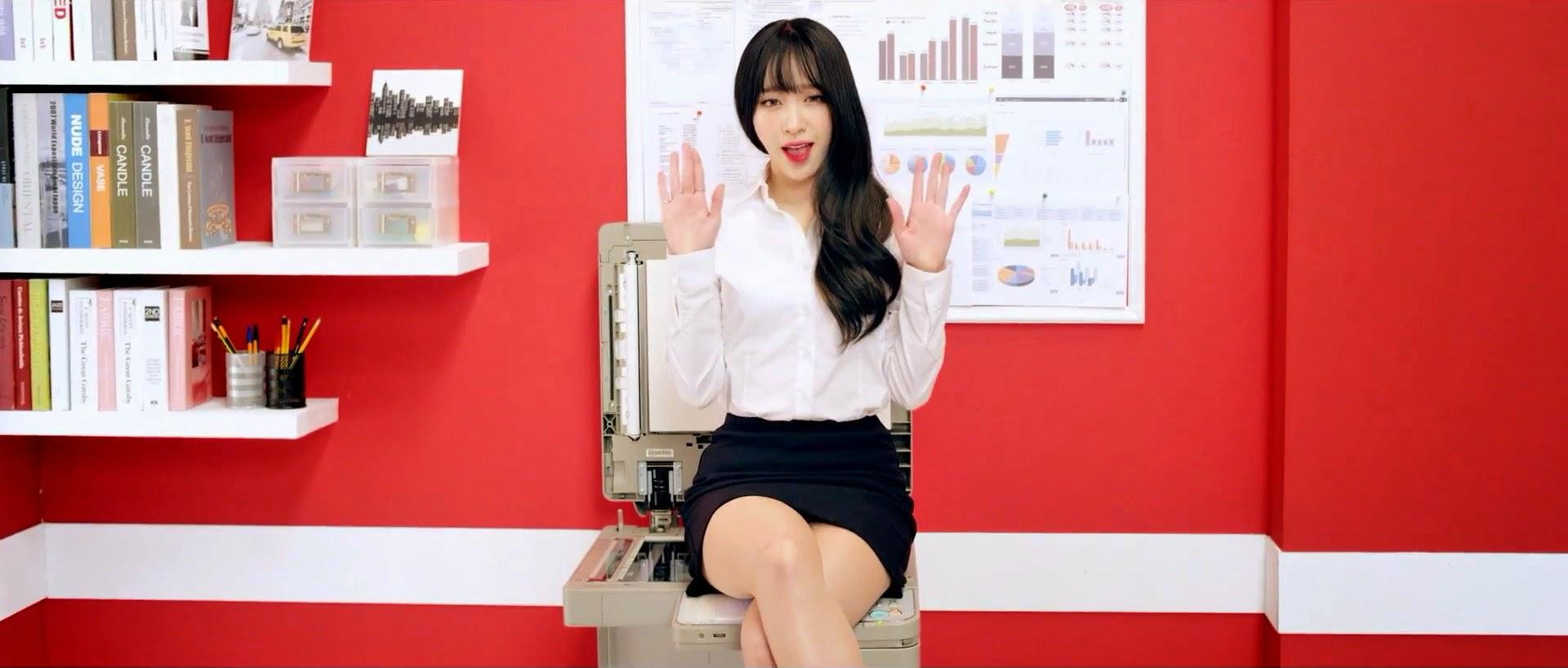 EXID's Hani in Ah Yeah MV
