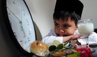 menunggu buka puasa Ucapan Selamat Puasa Ramadhan 1434 H 2013
