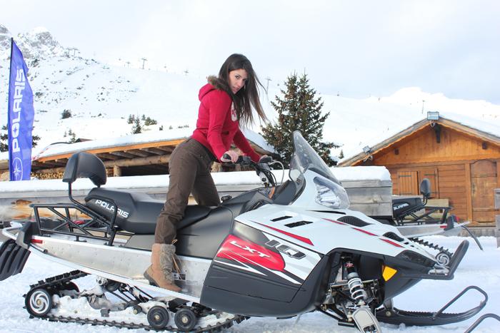 diana dazzling, fashion blogger, fashion blog,  cmgvb, como me gusta vivir bien, dazzling, luxury, courchevel, trois vallees, mountain outfit, look montañero, gap, moto ski, ski, esquí, fashion