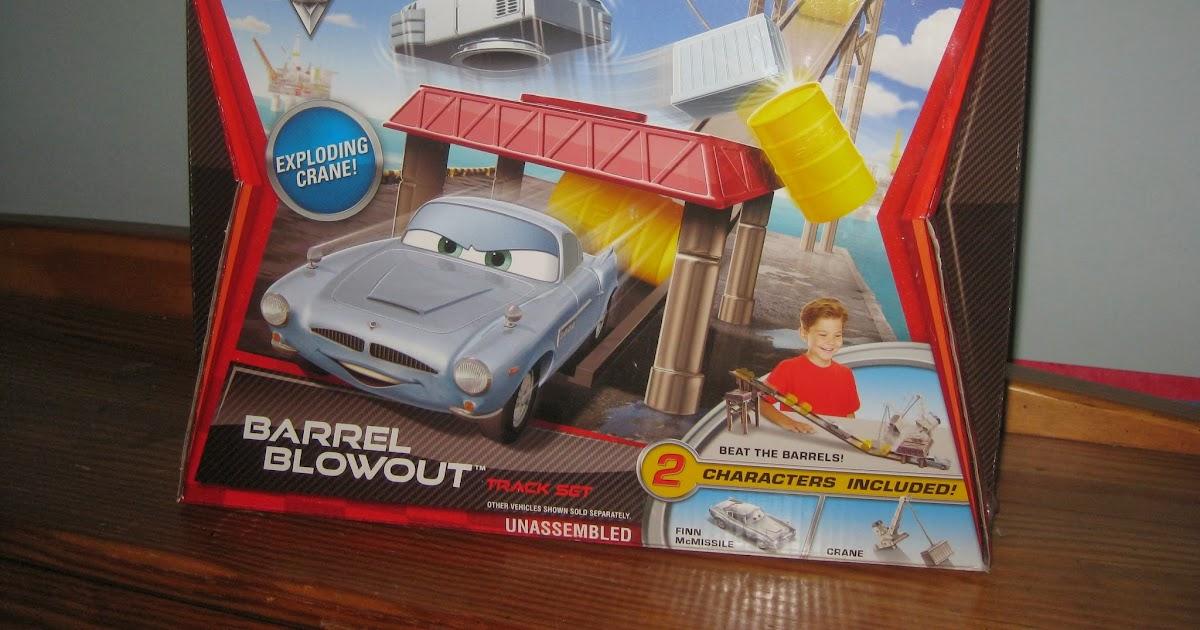 Dan The Pixar Fan Cars 2 Barrel Blowout Track Set