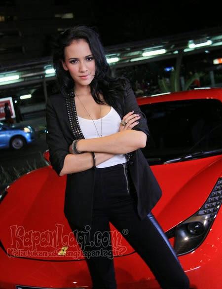 Kumpulan Foto Nadine Alexandra Dewi Ames Terbaru
