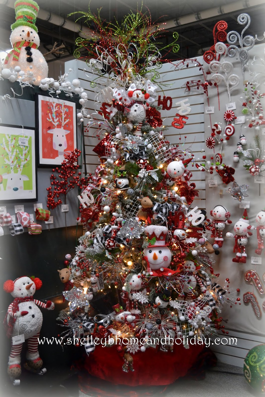 Raz christmas at shelley b home and holiday april 2013 - Decoraciones para navidad ...