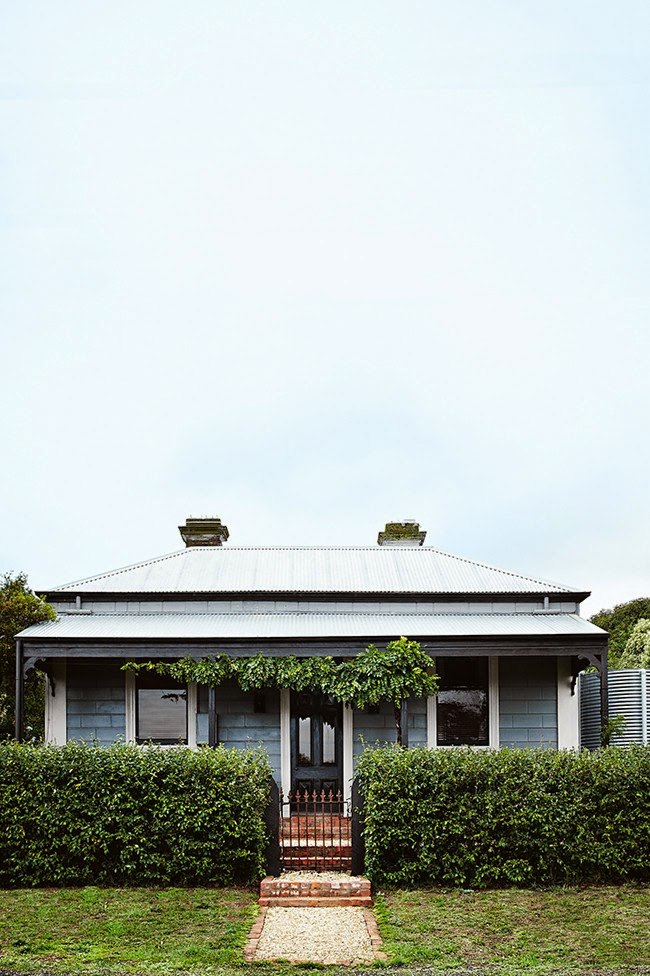 Decor inspiration country house in victoria australia for Classic home designs australia