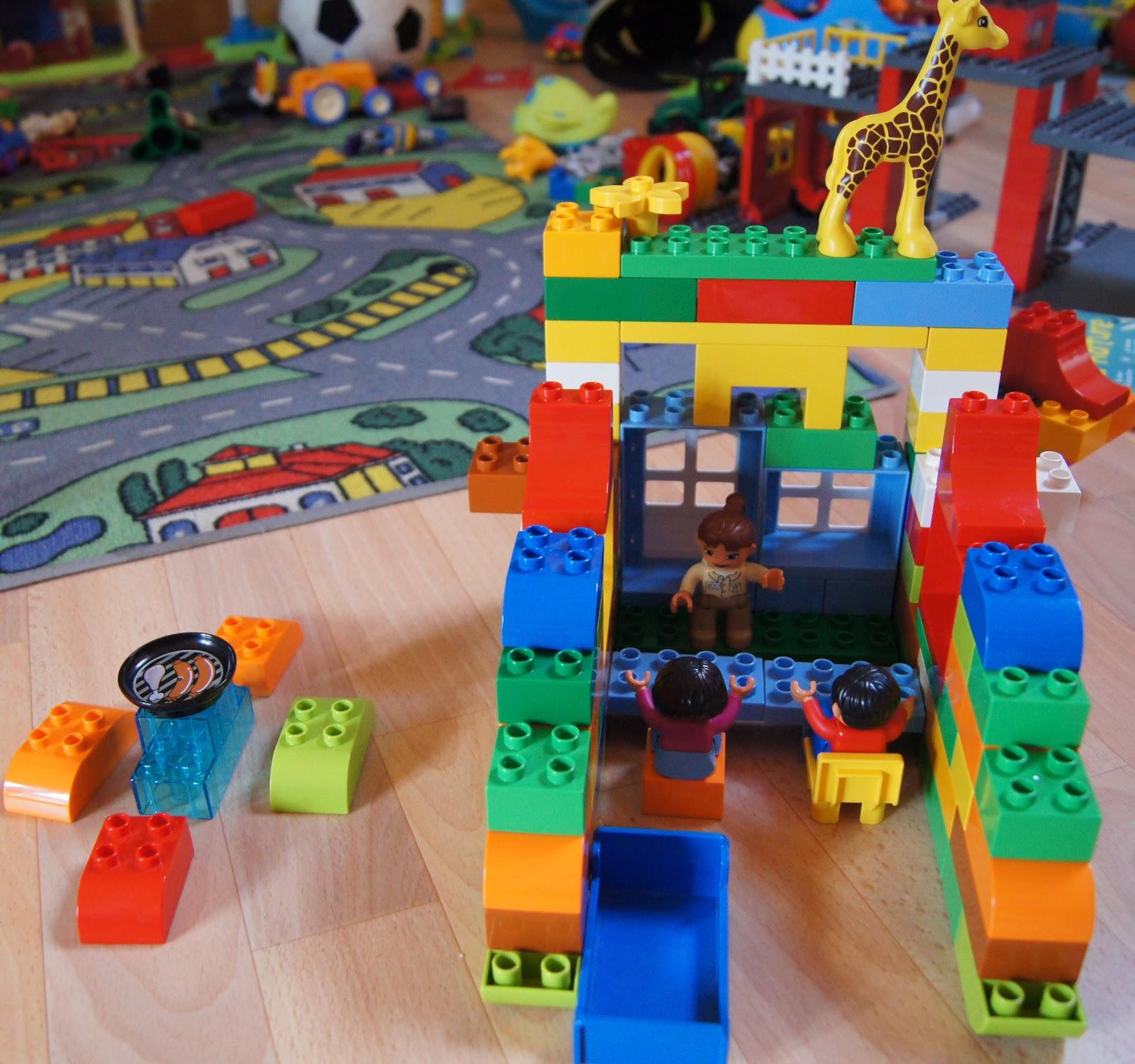 Ma poussette paris a l 39 ouest du lego les jeux sont faits 6 - Idee construction lego ...