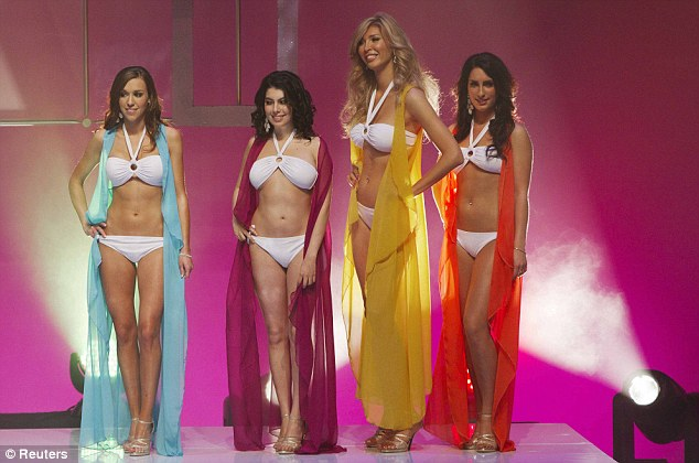 Miss universe pageant transvestites