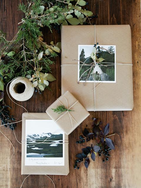 Envuelve los regalos navideños con fotos