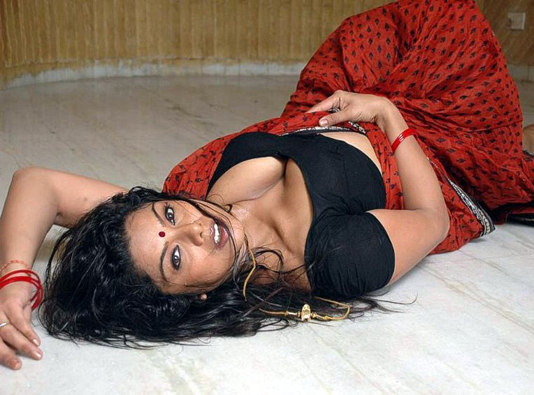 Hottest kamapichachi actress scene in recent times from a Telugu movie ...