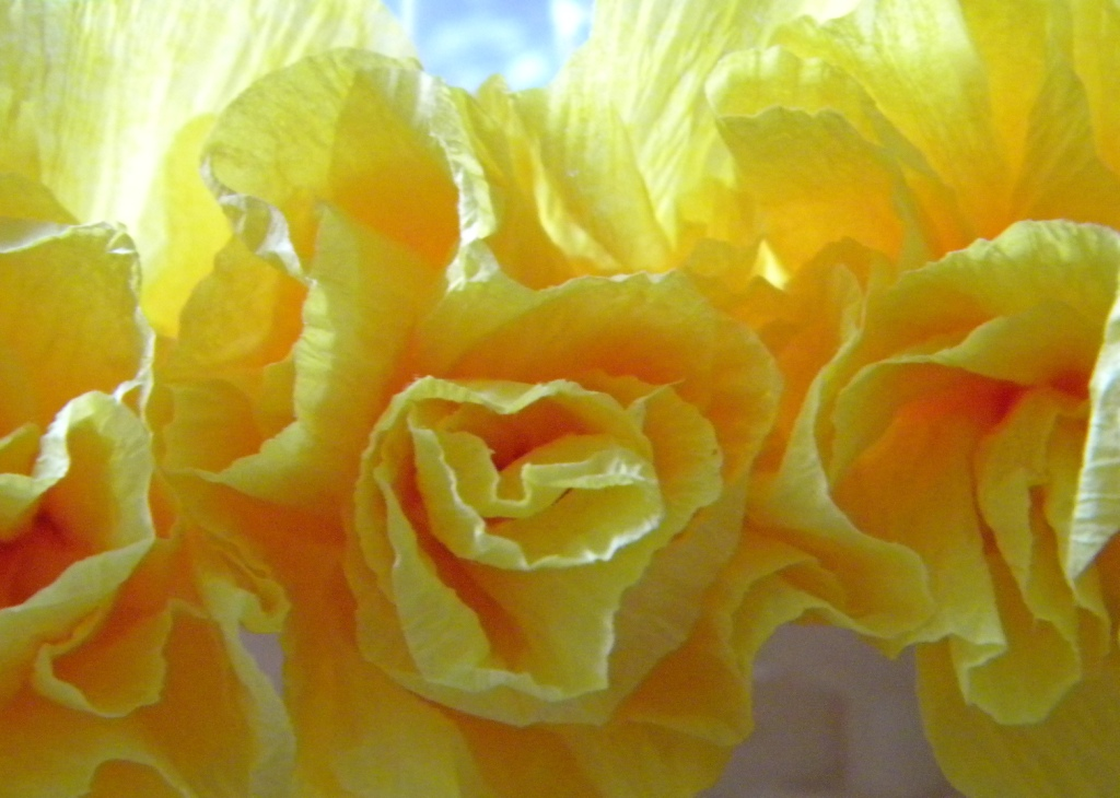how to make paper flowers crepe paper