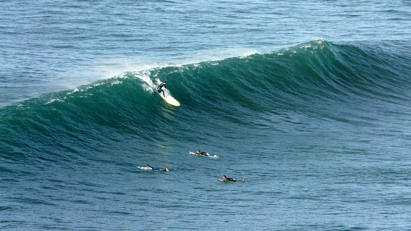 surf olas grandes menakoz 08