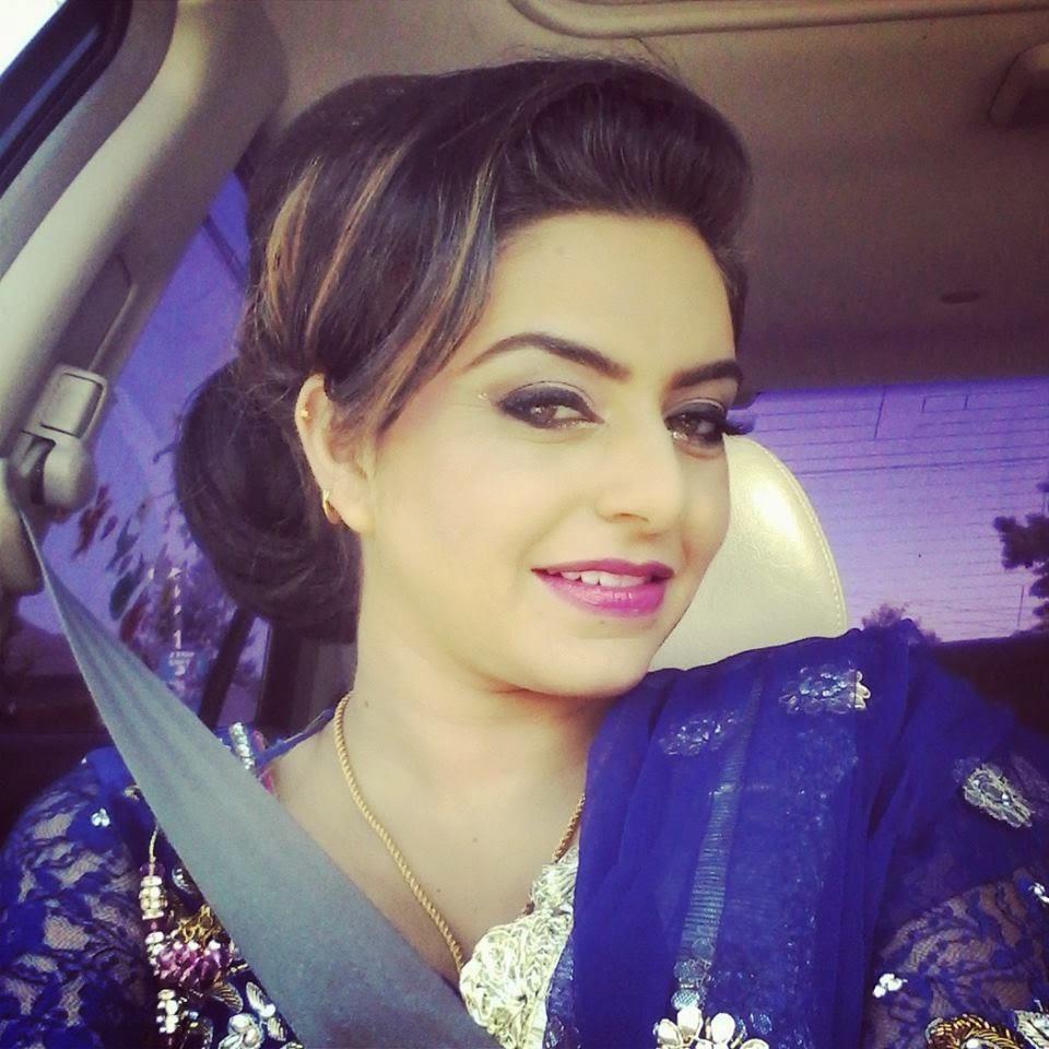 Online world look amazing nisha bano latest hot sexy for Nisha bano husband name