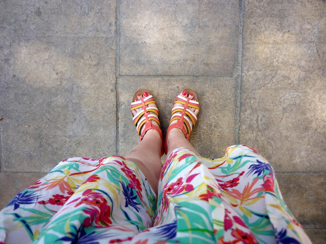 Hawaiian Print Shorts & Multi Coloured Sandals | Petite Silver Vixen