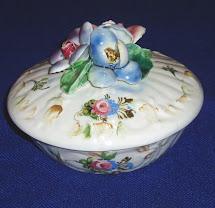 Pottery-and-glass-art Capodimonte Italy Majolica Jewelry