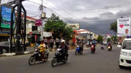 Permudah Arus Akses, Median Pembatas Jalan KH Mansyur Dibuka