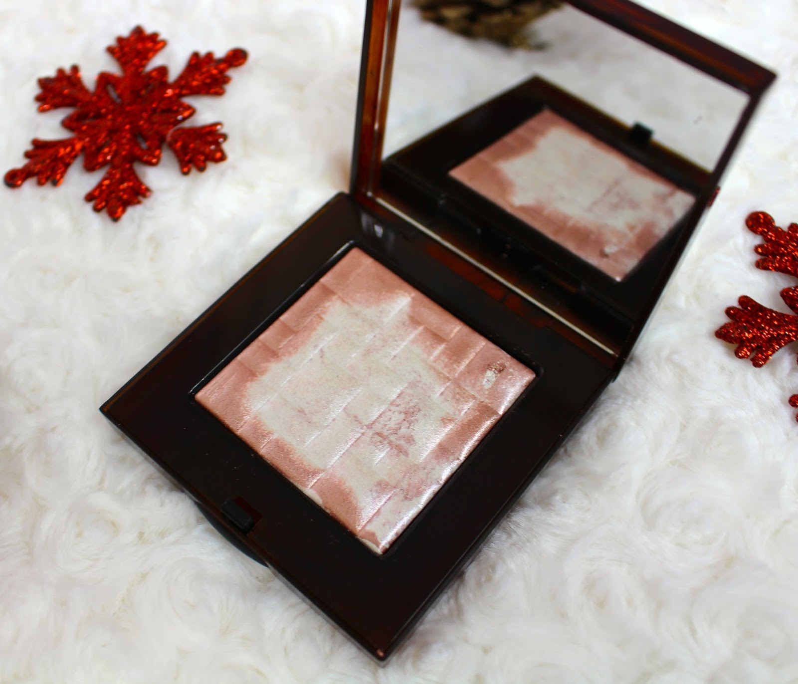 Bobbi Brown Highlight Powder Pink Glow, highlight powder, Bobbi Brown,  Bobbi Brown Highlight Powder, Review, through chelsea's eyes,