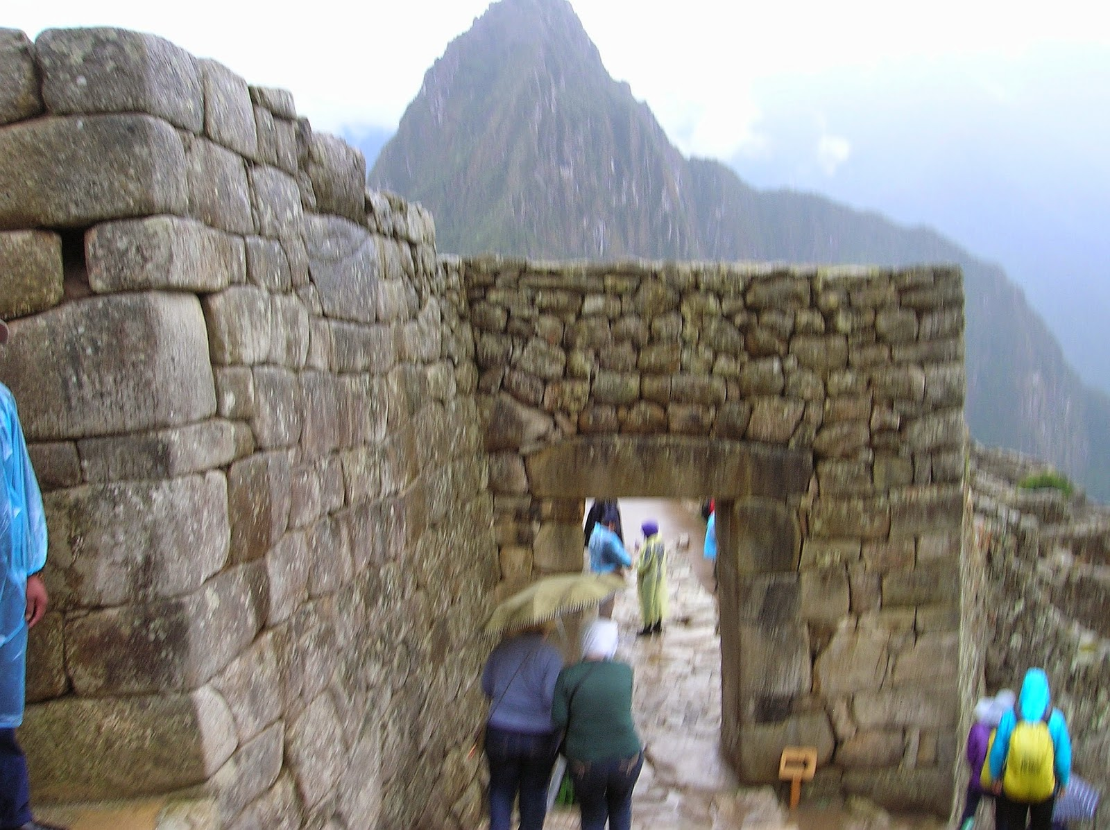 Lluvia en Machu Picchu Perú, La vuelta al mundo de Asun y Ricardo, round the world, mundoporlibre.com