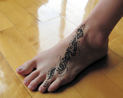 Mehndi Simple Designs For Foot : Syaaaaaaap easy mehndi designs for feet