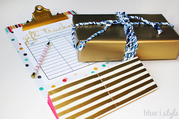 Gift Tracking Clipboard & DIY Twine