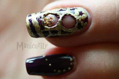 Harry Potter and the Prisoner of Azkaban time-turner nails macro