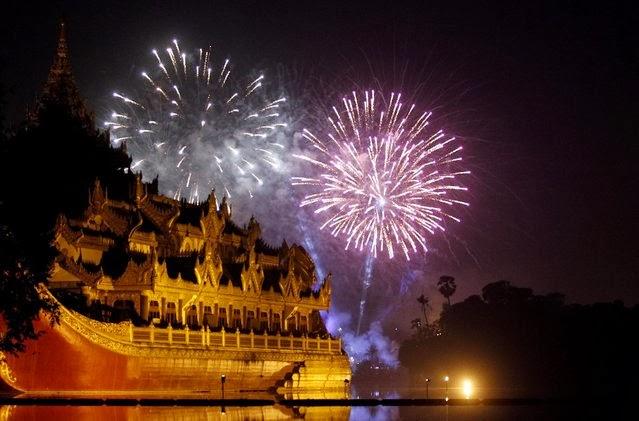 Fuegos Artificiales, año nuevo 2014, Rangún, Myanmar