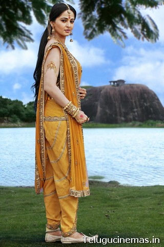 Anushka in Rudrama Devi -Photos Anushka Rudramadevi photos, Anushka Rudramadevi pictures, Anushka photos, Anushka photo gallery,Anushka image gallery, Anushka in Gunashekar Rudramadevi Telugucinemas.in