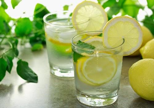 8 lý do bạn nên uống nước chanh mỗi ngày