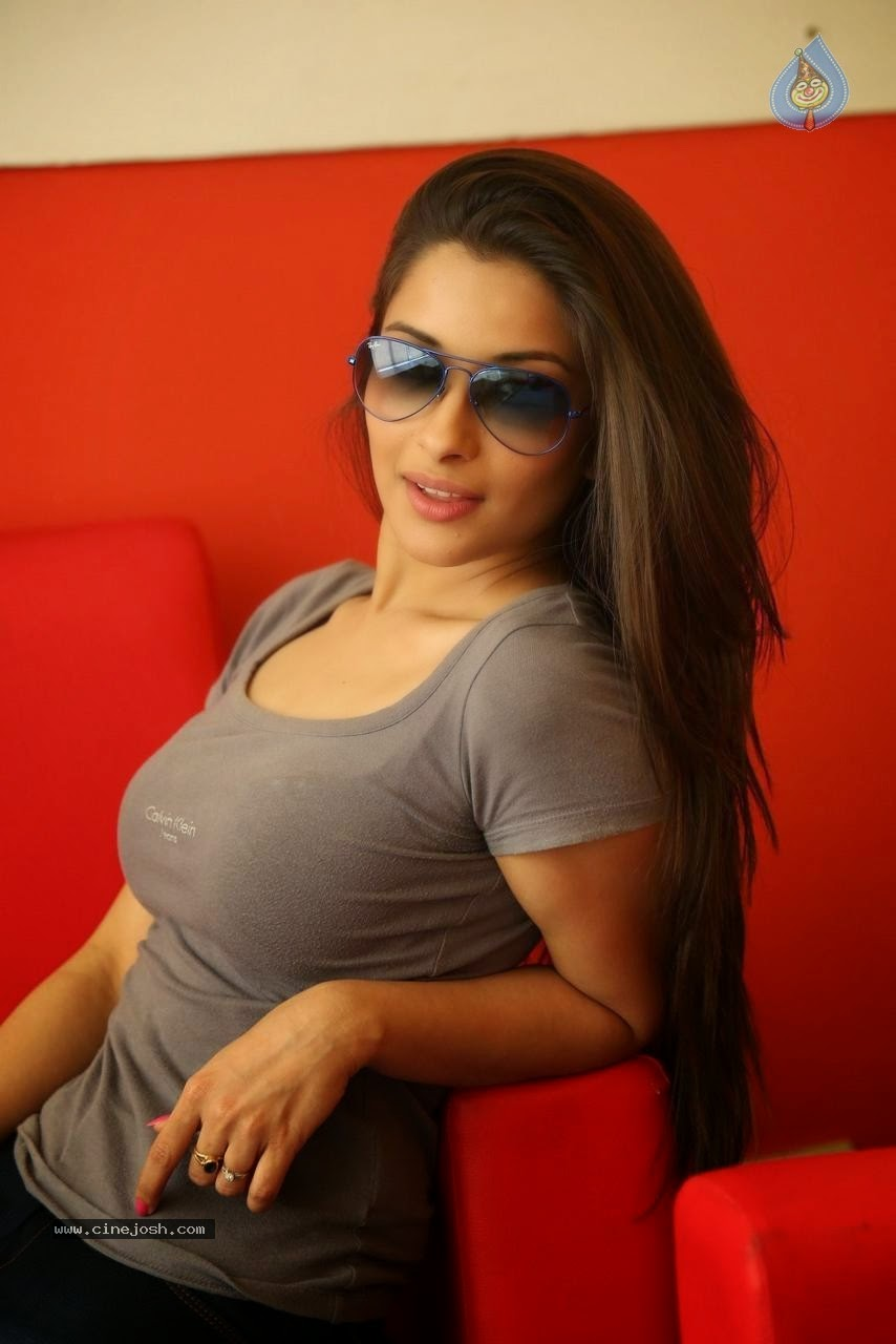 Madhurima new hot photos gallery