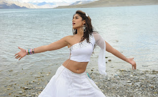 Ileyana Latest Stills from Shakthi Movie