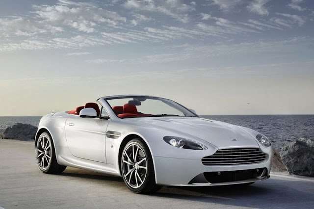 2012-Aston-Martin-V8-Vantage-Roadster-Wallpaper