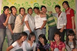 Surabaya, Juli 2008... berasa Elementary School lagiiii... [temu kangen tmn2 SD]