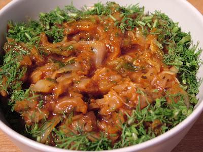 Kapusta w sosie pomidorowo-czosnkowycm
