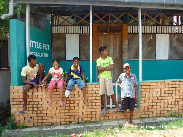 Enfants du port de Tangalle