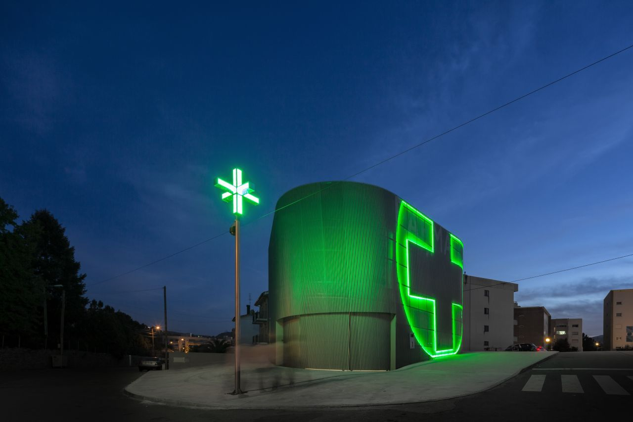 modern architecture in pharmacy by jos carlos cruz
