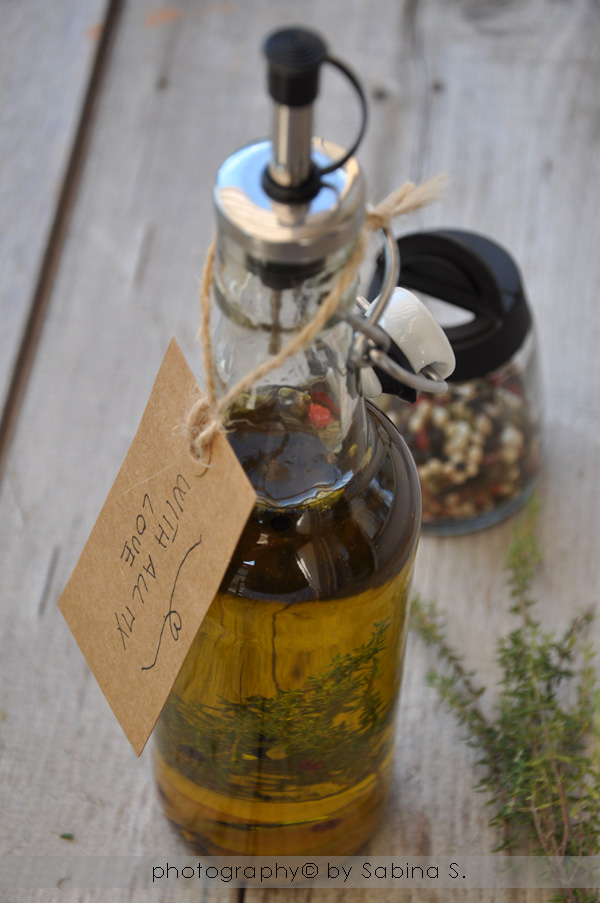 Due bionde in cucina olio agli aromi - Aromi in cucina ...