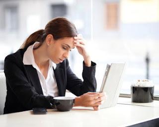 5 Efek Buruk Akibat Terlalu Lama di Depan Komputer