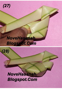 langkah-langkah membuat kerajinan tangan anak berbentuk ayam yang lucu dari bahan alami janur kelapa 7