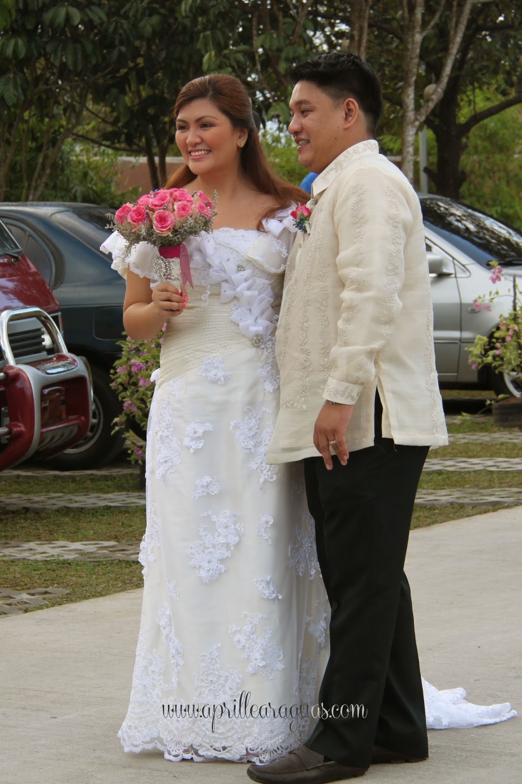 Wedding Gift Ideas For Filipino Couple : ... Pinoy-style welcomed the couple before they proceeded to the reception