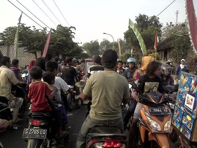 Seharian Dijalan Banyak Hiburan: Masuk Dalam Kemacetan