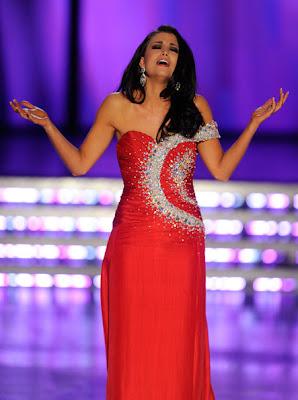 laura kaeppeler Miss America 2012 winner Photo singing Talen Showt