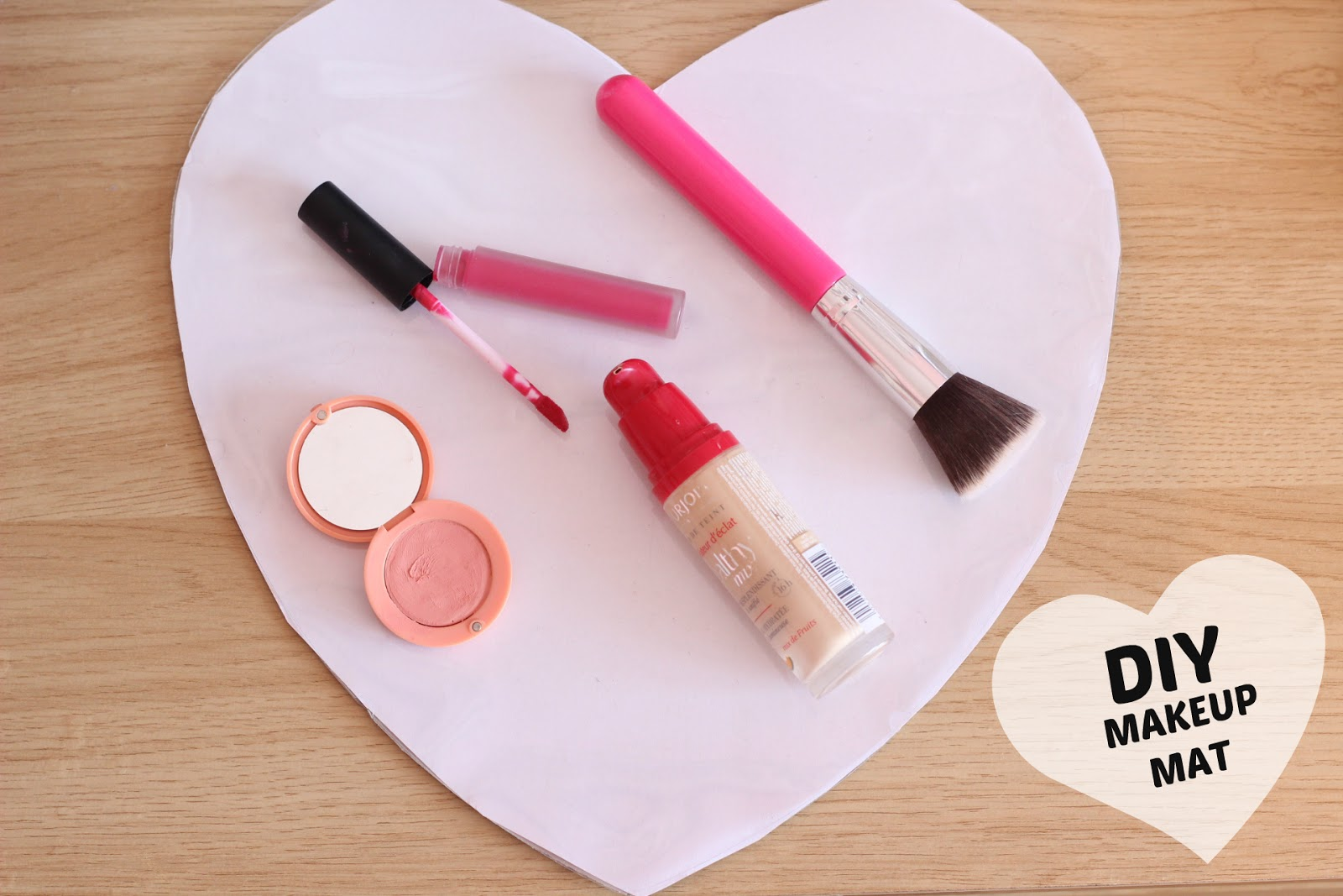 DIY Easy Clean Vanity Table Makeup Mat