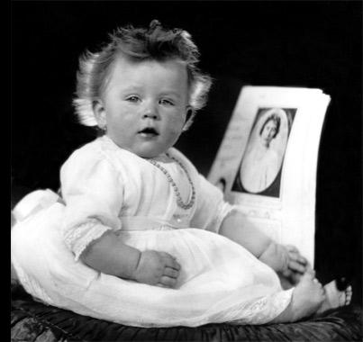 Reina Isabel II de Inglaterra de bebé