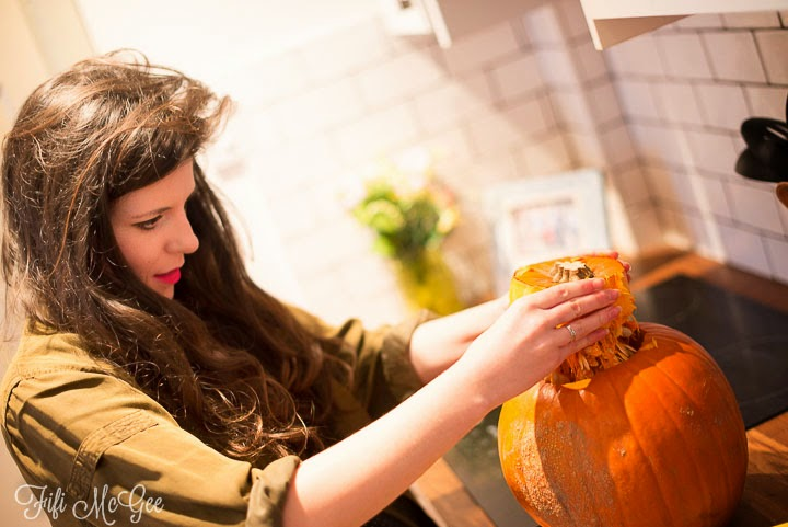 Tips for carving a pumpkin at halloween