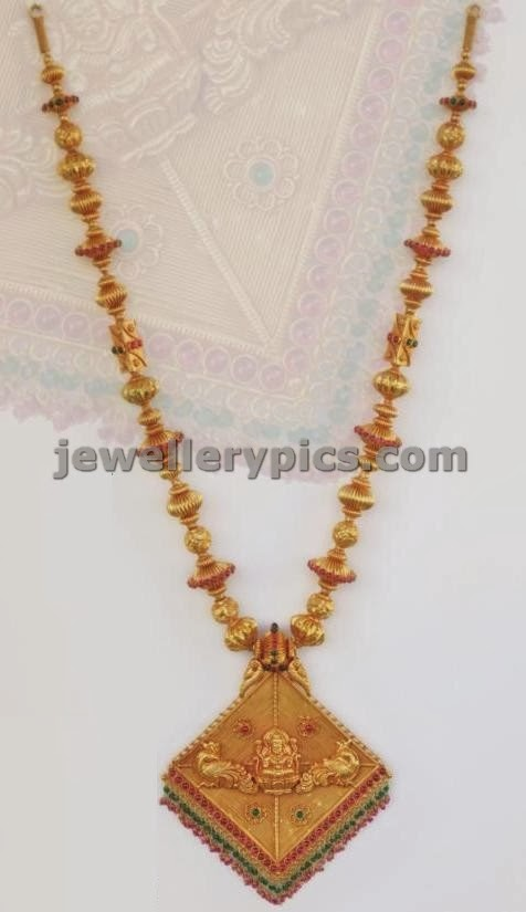 pendent gold ball chain