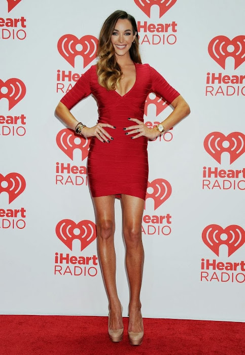 courtney bingham at iheartradio music festival glamour  images