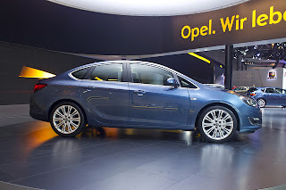 Opel Astra Sedan 2013 Photos Images Pictures