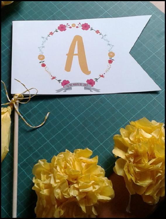 Comunión_blanco_amarillo_decorar_banderin_bicicleta_regalo_efimerata