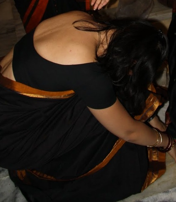 backless saree fetish
