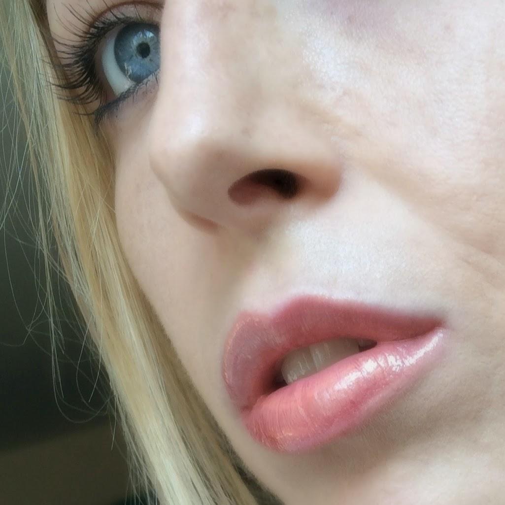 Revlon-colorstay-moisture-stain-london-posh-on-lips