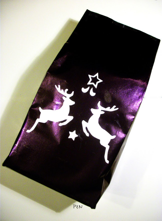 Pumps and Needles reindeer gift bag